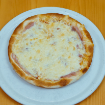 93. Pizza Sonkás