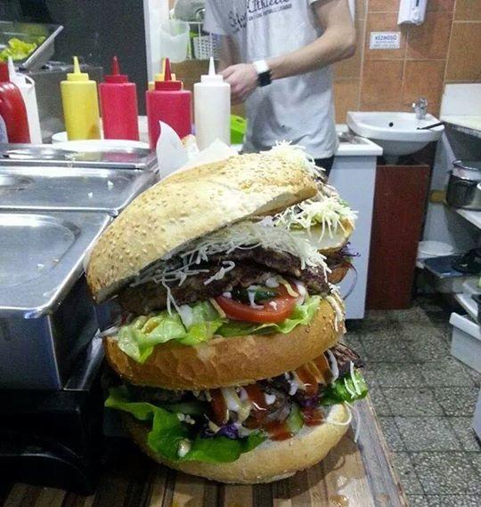 Mega Megálló - Mindent bele burger
